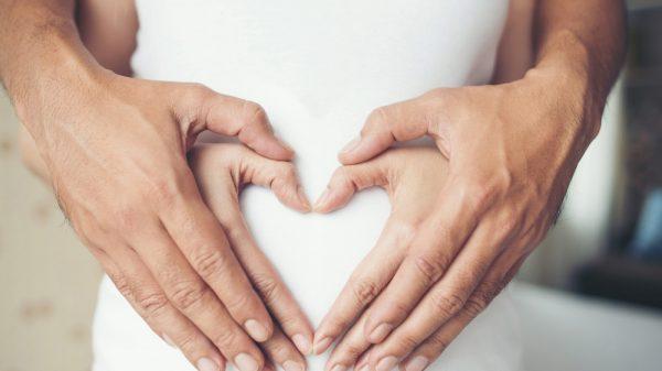 come-prendersi-cura-della-pelle-in-gravidanza-copertina